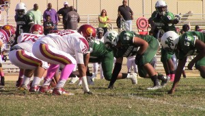 The Hamilton HS Yankees (green) scored a convincing 45-0 Homecoming win over Fairfax HS last week.